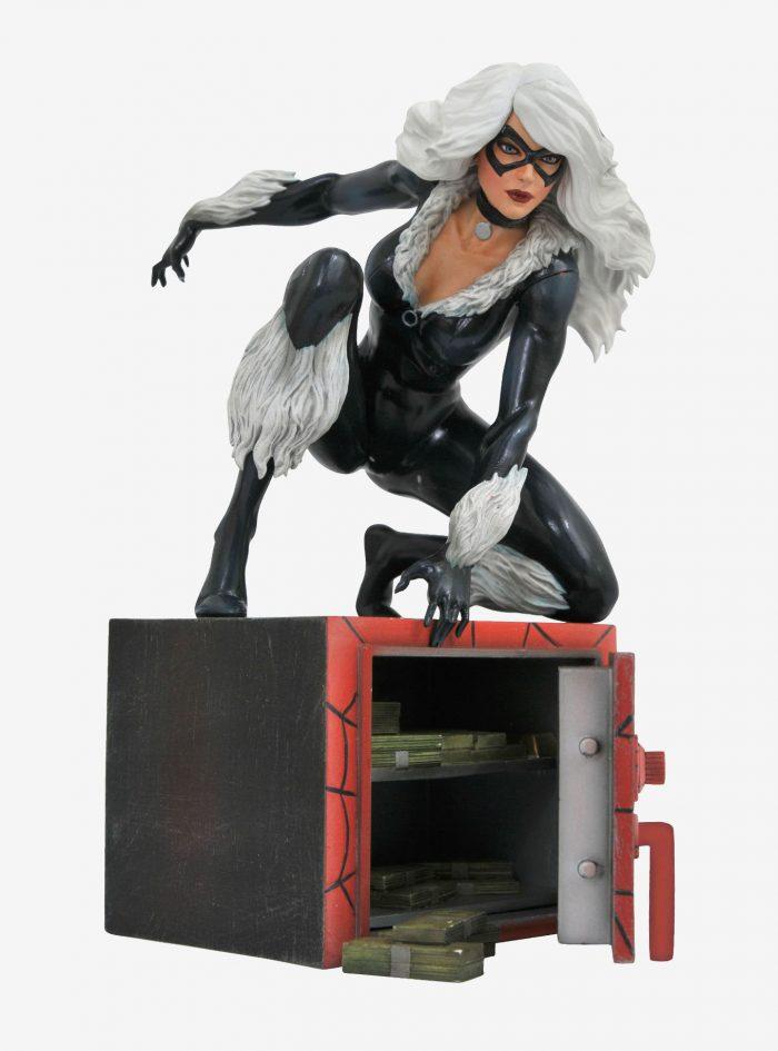 Black Cat Diamond Select Figure
