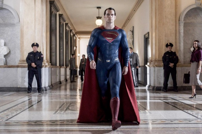 bvs-superman-hallway-walk