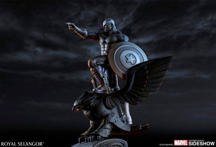 Captain America Resolute Statue