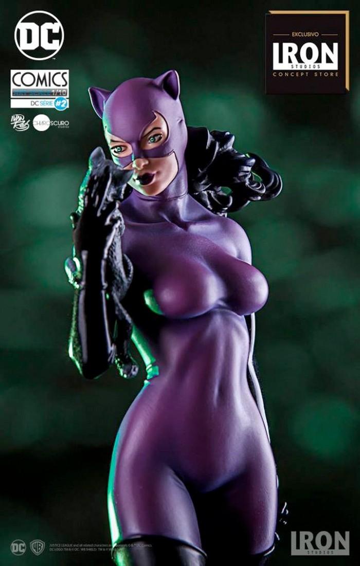 Iron Studios Catwoman Statue