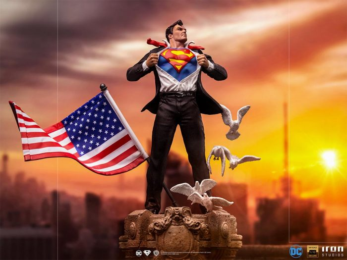Clark Kent - Superman - Iron Studios Statue