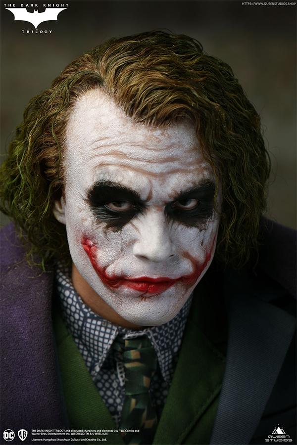 The Dark Knight Joker Statue - Queen Studios