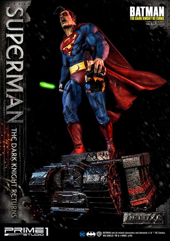 Dark Knight Returns - Superman Statue