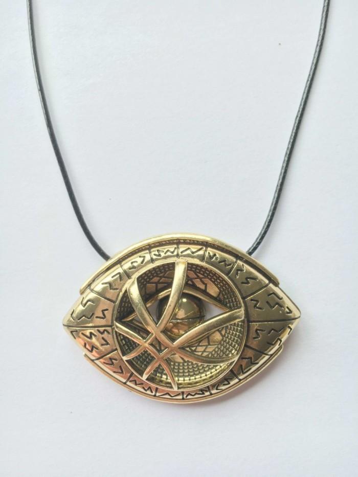 doctorstrange-eyeofagamotto-necklace