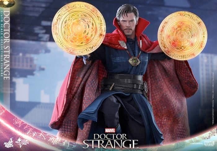 Doctor Strange Hot Toys Figure
