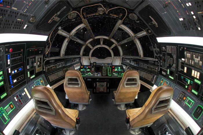 galaxys edge millenium falcon smugglers run cockpit.0153