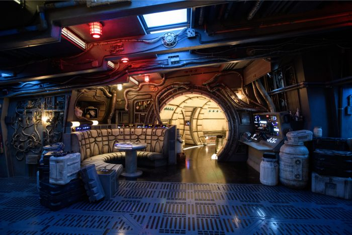 galaxys edge millenium falcon smugglers run main hold