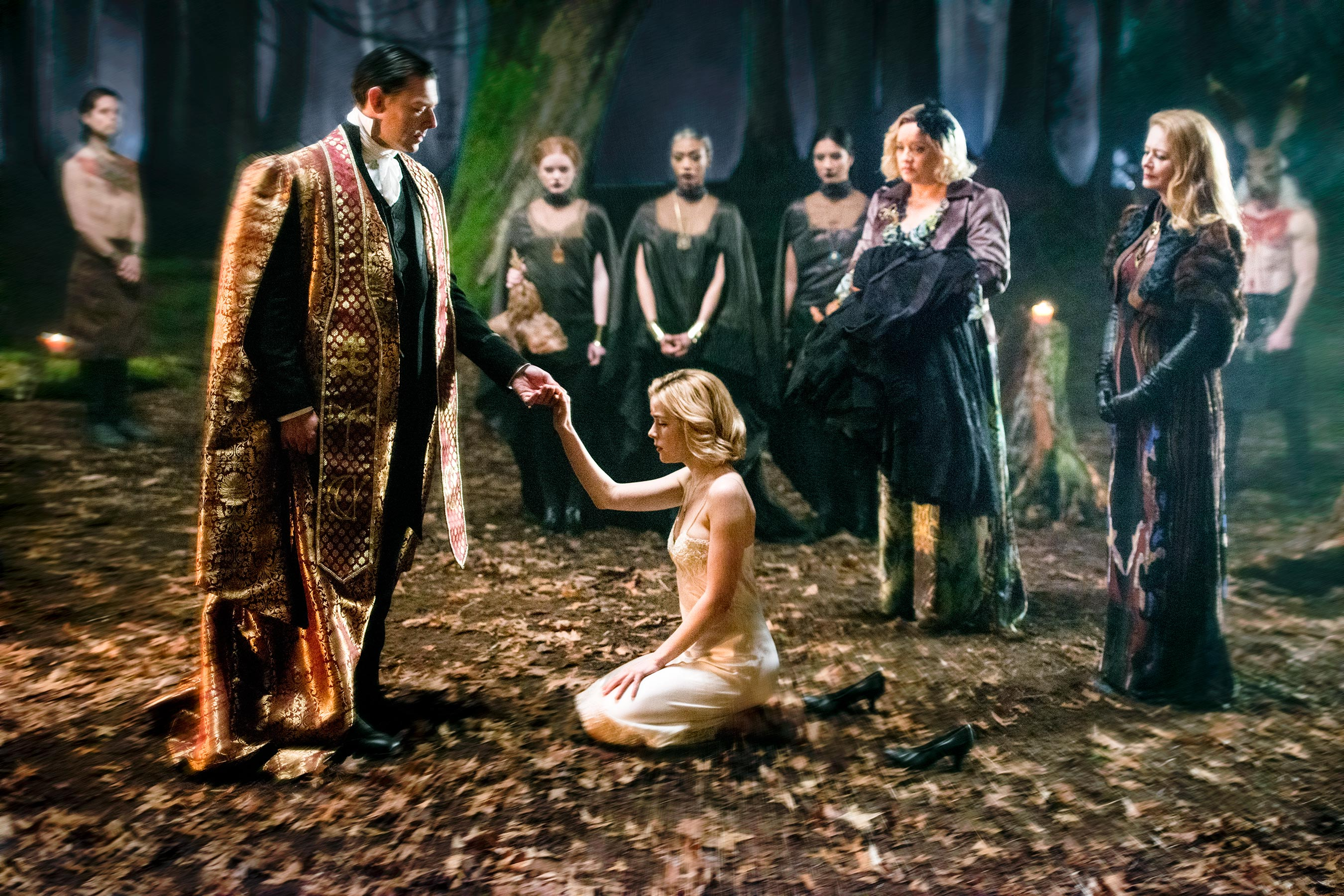 First Chilling Adventures of Sabrina Photos with Kiernan Shipka