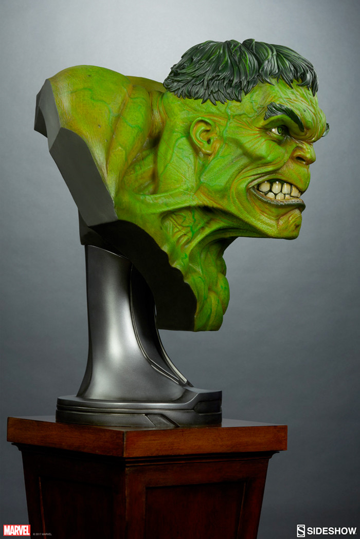 Incredible Hulk Sideshow Collectibles Life Size Bust