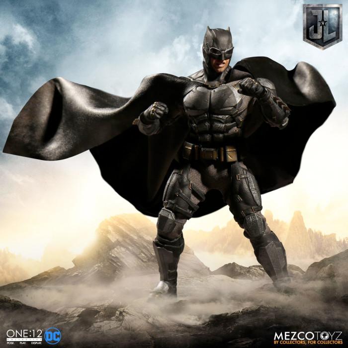 Justice League - Tactical Suit Batman Mezco Toyz