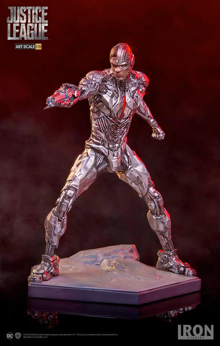 Justice League Cyborg Statue