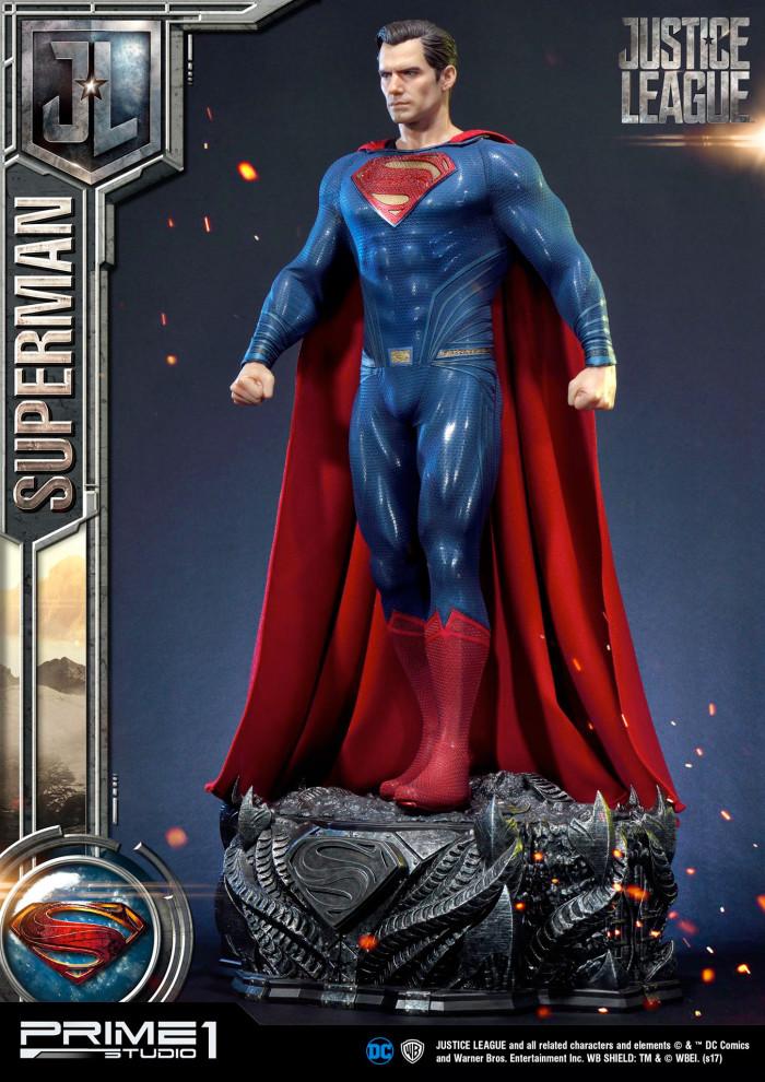 Justice League - Superman Statue