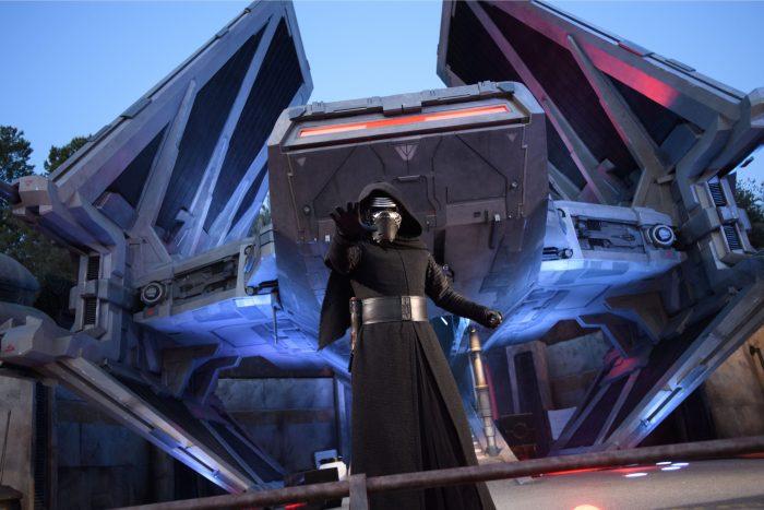 kylo ren galaxys edge first order cargo