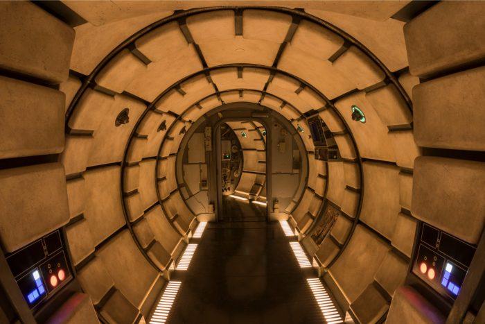 millenium falcon smugglers run galaxys edge