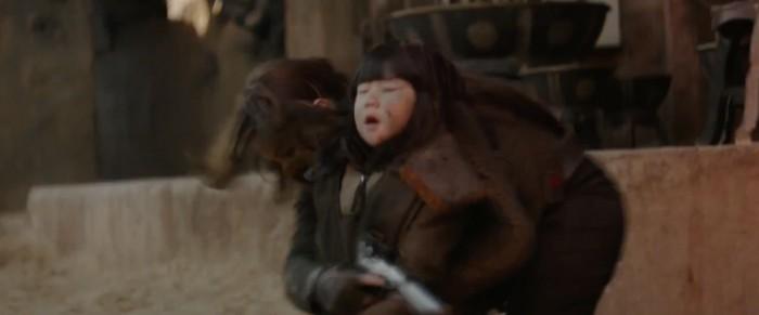 rogue one: a star wars story international trailer 2 jyn on jedha saves girl