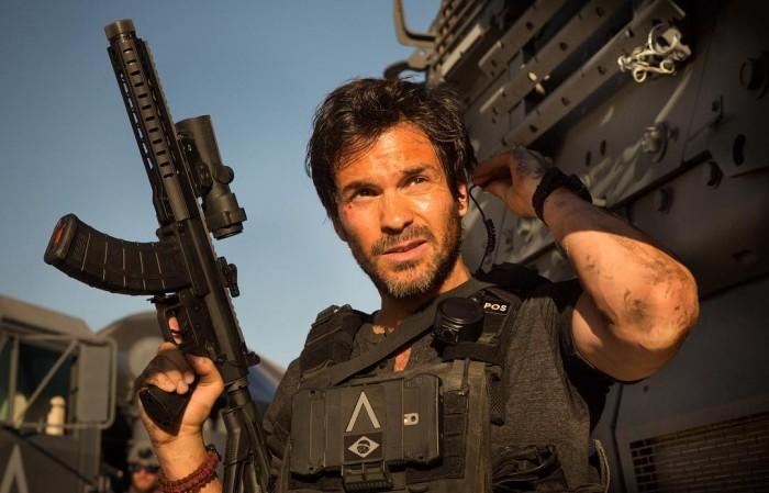 Santiago Cabrera - Transformers The Last Knight