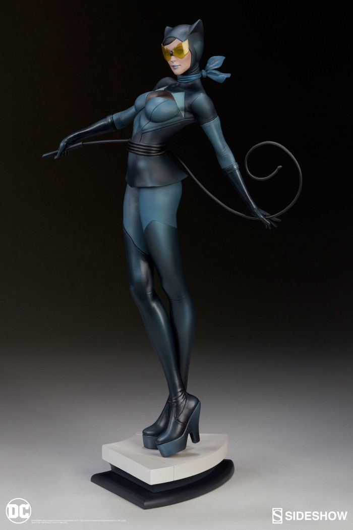 Sideshow Collectibles Catwoman Statue
