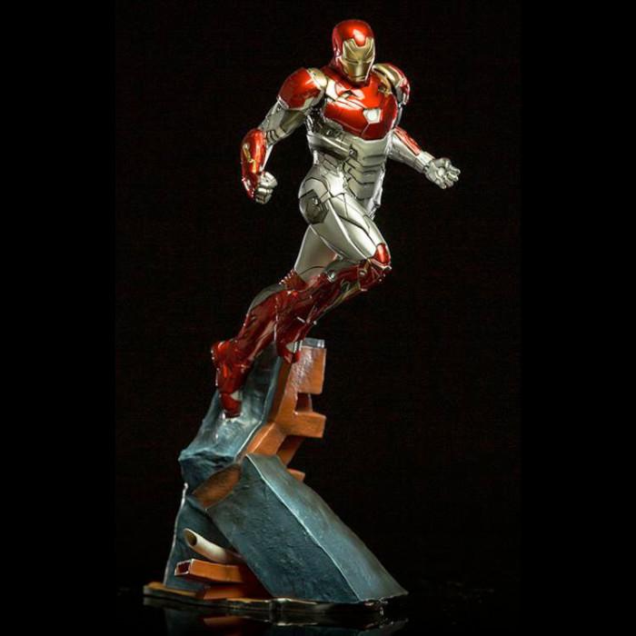Spider-Man Homecoming - Diorama Statue - Iron Man