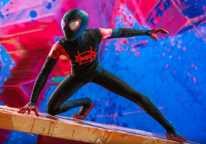 Spider-Man: Into the Spider-Verse Hot Toys Figure