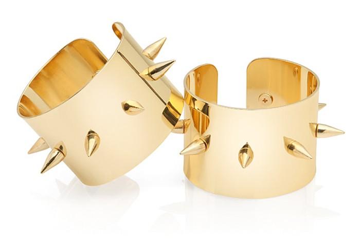 suicidesquad-bracelets-gold-spikes
