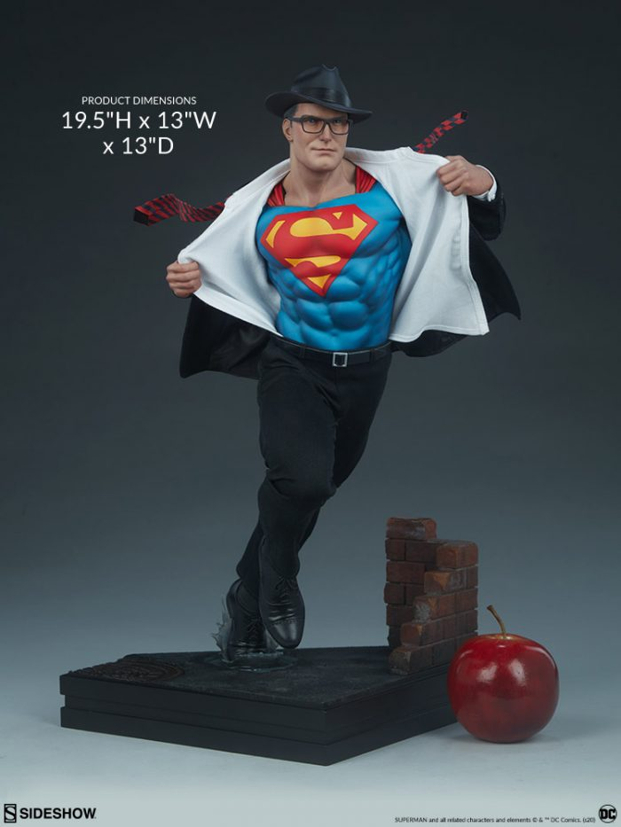 Superman - Call to Action Statue