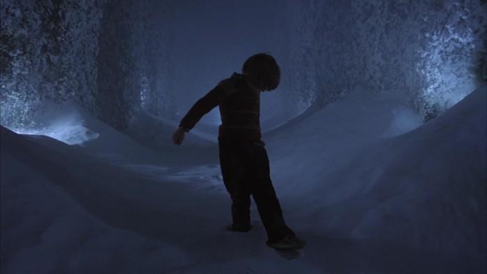 the-shining-maze-footprints-9x16