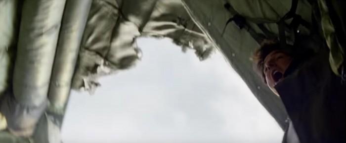 tom cruie screams in terror in the mummy