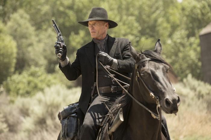 westworld-episode-2-spoiler-review-ed-harris-man-in-black
