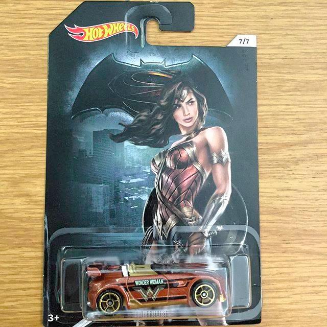 wonderwoman-hotwheelscar