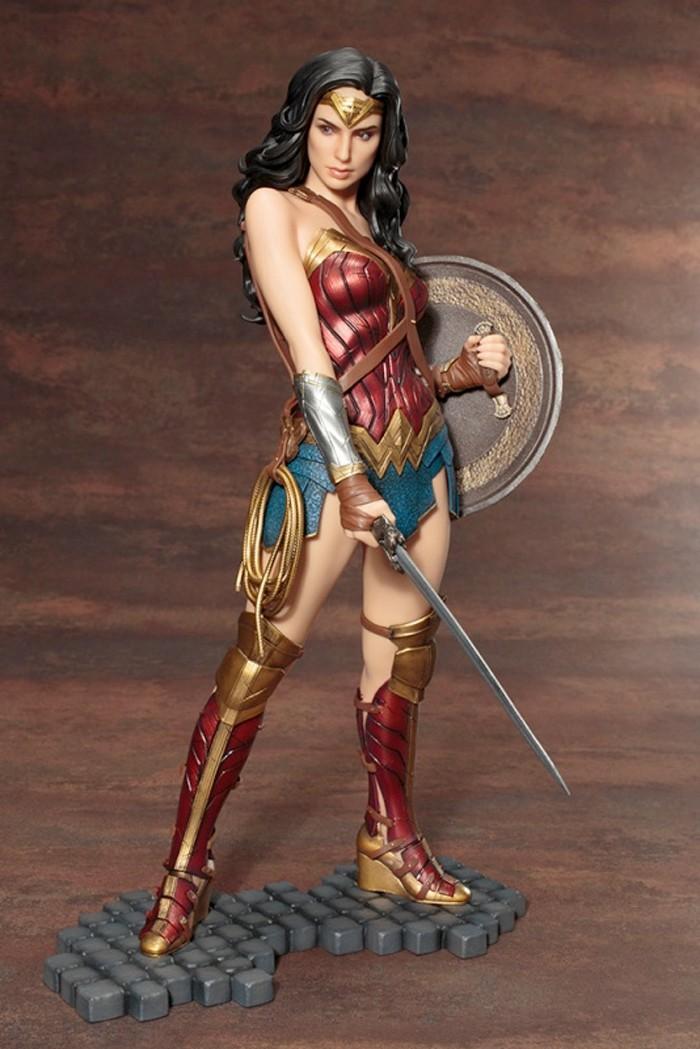 Wonder Woman - Kotobukiya ARTFX+ Statue
