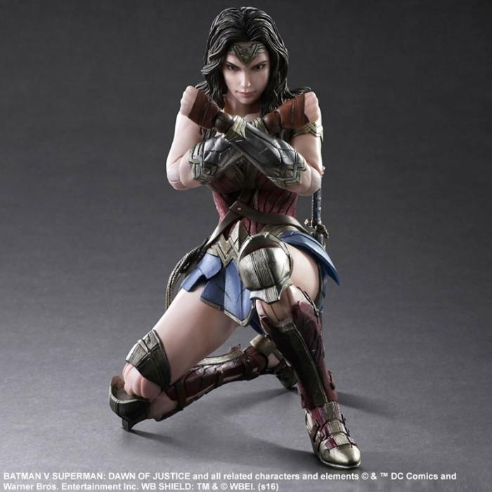 wonderwoman-playarts-figure
