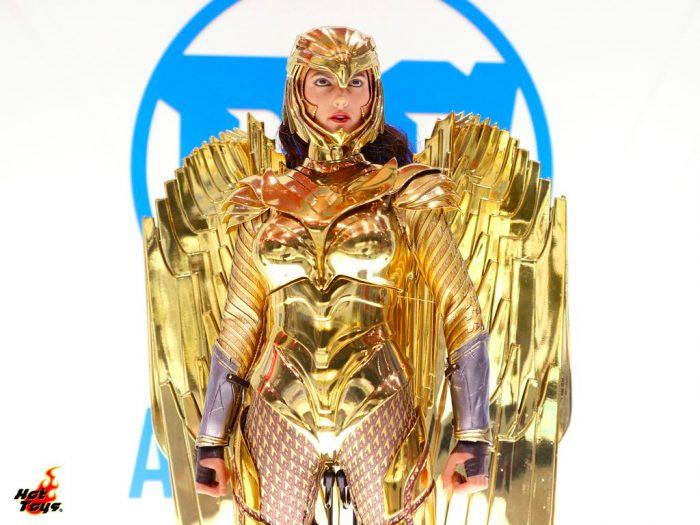 Wonder Woman 1984 Golden Eagle Armor Hot Toys Figure