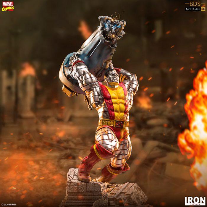 X-Men - Colossus Battle Diorama Statue